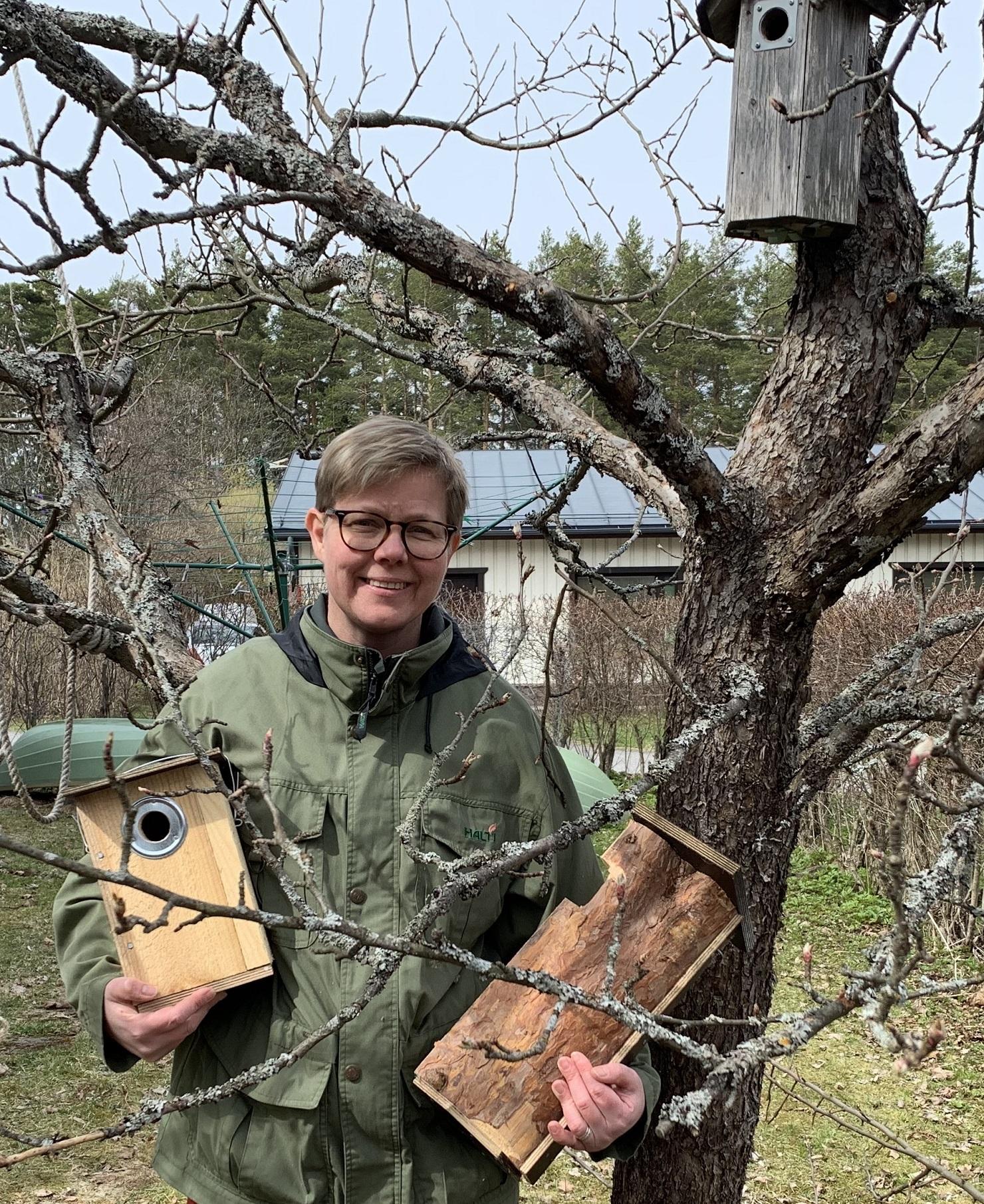 Pönttöbongauksen suojelijana toimii ympäristö- ja ilmastoministeri Krista Mikkonen.